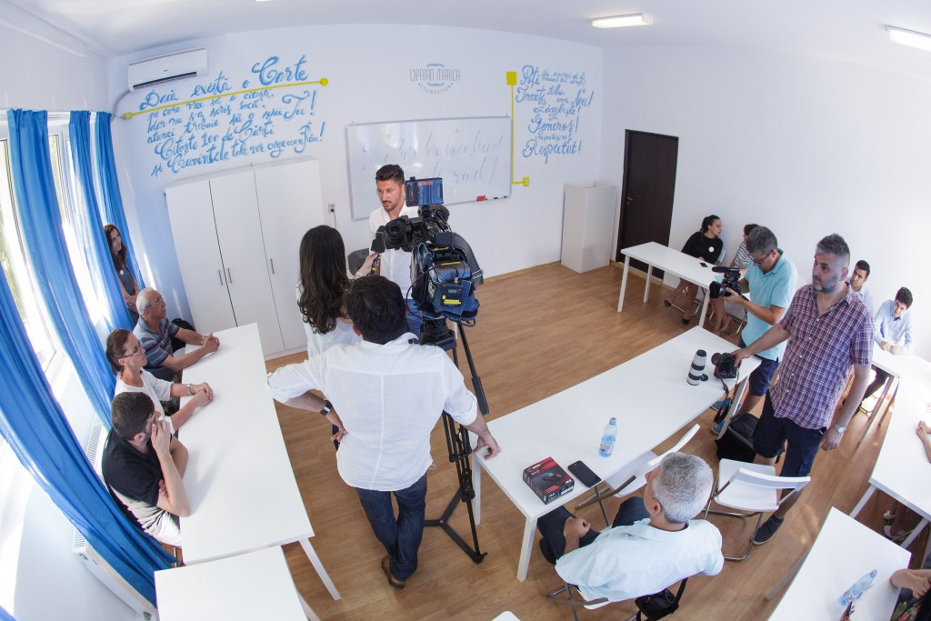 Ciprian Marica în sala de clasă, la lansarea proiectului Laborator Vocațional