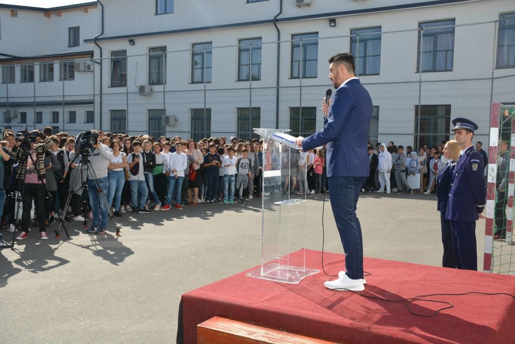 Ciprian Marica în față a peste 400 de elevi